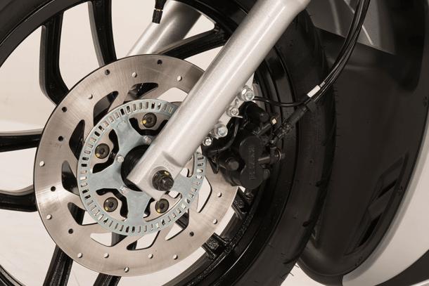 Motorroller 150ccm - Kymco New People S 150i ABS | Serienmäßig ABS-Bremssystem