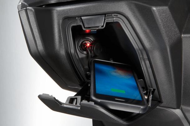 Motorroller 400ccm - Kymco XCITING S 400i ABS | Staufächer inkl. integriertem USB-Anschluss