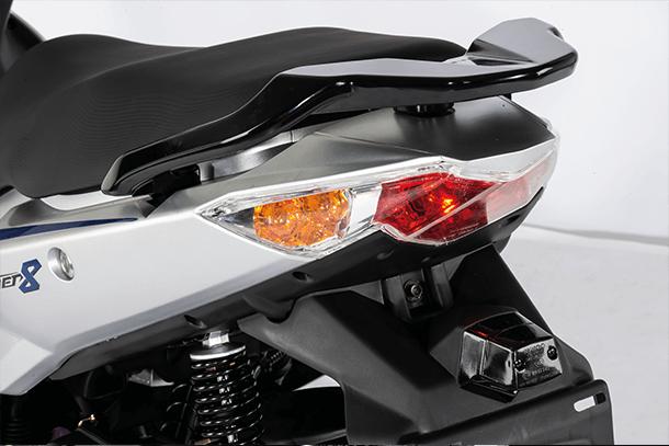Motorroller 50ccm - Kymco Super 8 50i 4T | Rücklicht
